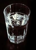 Mineralwasser ist ein gesunder Durstlöscher.